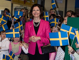 Warm welcome in Italy for Queen Silvia of Sweden