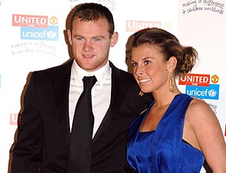 Wayne Rooney faces choice between key match or baby's birth