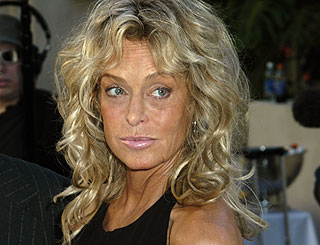 Farah Fawcett makes documentary about health battle