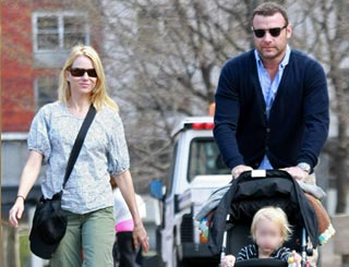 Naomi Watts' son home after having difficulty breathing