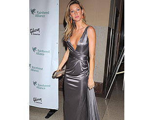 Gisele shows off slender figure amid pregnancy reports