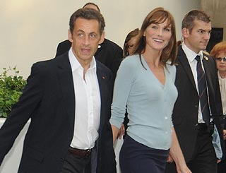 Carla Bruni-Sarkozy eyes £9-million home near Mick's place