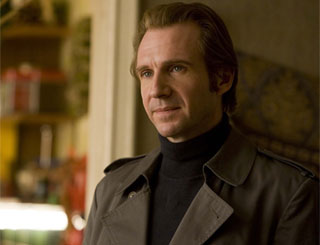 Ralph Fiennes signs Vanessa Redgrave up for his directorial debut