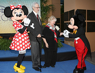 Man behind the voice of Mickey mouse dies at 62