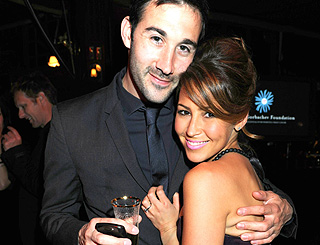 Pop star Rachel Stevens mugged for engagement ring