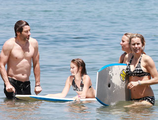 Reunited David Duchovny and wife Tea hit the beach