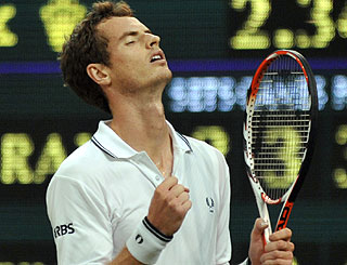 Andy Murray serves up nail-biting victory as roof debuts