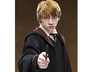 "Rupert Grint recovering from ""mild bout"" of swine flu"