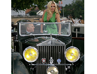 Katherine Jenkins makes vintage entrance at UK festival