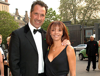 David Seaman's wife in shock over his new romance