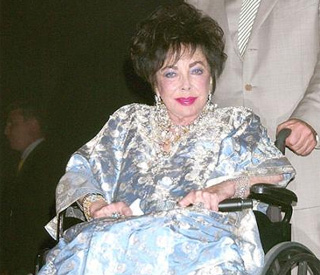 Heart op went 'perfectly' tweets Elizabeth Taylor