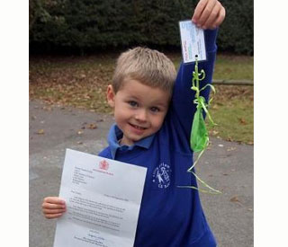 Queen writes to schoolboy after finding his balloon