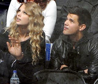 Love bites for Taylor Swift and Taylor Lautner?