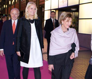 Lady in white Mette-Marit scores another style ace