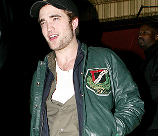 Robert Pattinson still unlucky in love