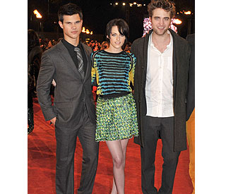 'New Moon' stars 'stunned' by mass of London fans