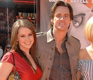 Jim Carrey walks daughter down aisle on 'perfect day'