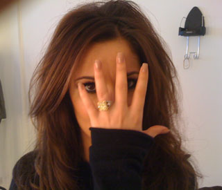 Cheryl Cole insists marriage is solid with Twitter pic