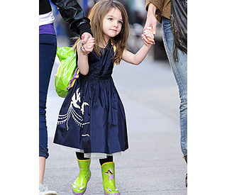 Style queen Suri Cruise gives it some welly in NYC