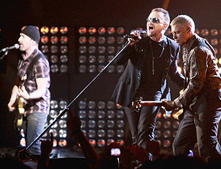U2 to help Glastonbury celebrate 40th birthday