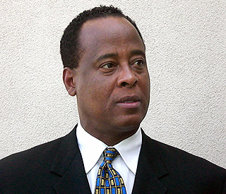 Michael Jackson doctor Conrad Murray back at work