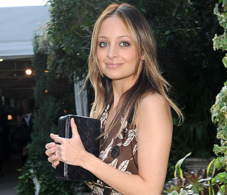 Poorly Nicole Richie thanks fans for get well wishes