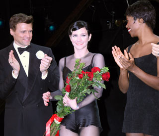 Ashlee Simpson makes jazzy Broadway debut