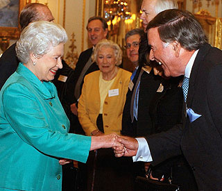 Queen requests dinner setting next to Terry Wogan