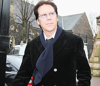Shakin' Stevens in court over assault charge