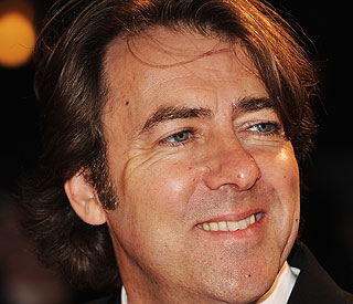 Jonathan Ross to take a £3 million pay cut