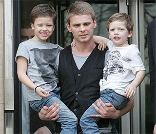 Jade Goody's boys send cards to mum via Santa