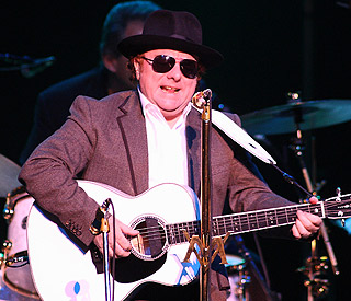 Van Morrison becomes a father again