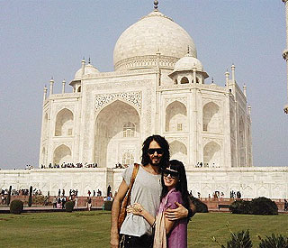 Katy Perry poses with Russell at romantic Taj Mahal