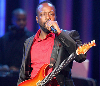 Wyclef Jean urges fans to donate to earthquake victims