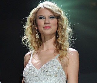 Taylor Swift joins stars signing up for Haiti telethon