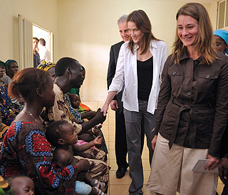 Touching visit from Carla Bruni to AIDS victims