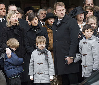Countess Alexandra and boys attend father's funeral