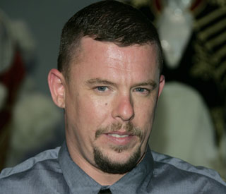 Top English designer Alexander McQueen dies