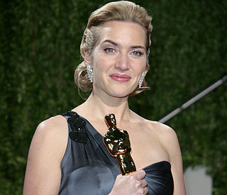 Kate Winslet's Oscar takes pride of place... in bathroom