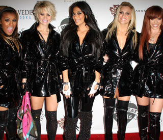 Two members of the Pussycat Dolls leave group