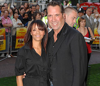 Goalkeeper David Seaman to finalise divorce