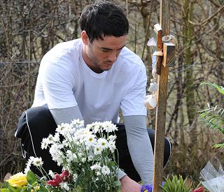 Jack Tweed visits Jade Goody's grave on anniversary