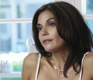 Single Teri Hatcher determined to find a man
