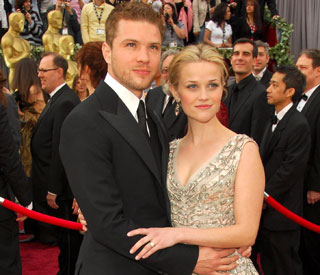 Reese Witherspoon and ex help one another with splits