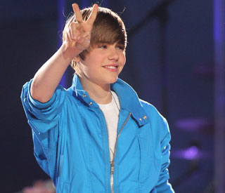 Justin Bieber forced to cancel Oz gig after security fear