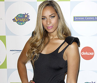 Leona Lewis gives Simon Cowell's girl seal of approval