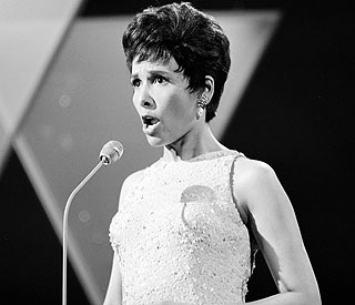 Stormy Weather singer Lena Horne dies at 92