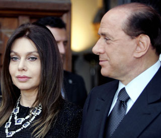 Silvio Berlusconi to give up €105m villa in divorce settlement
