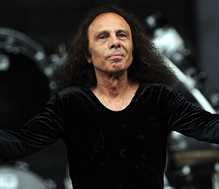Rock legend Ronnie James Dio dies at 67
