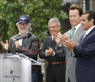 Arnie and Steven unveil rebuilt Universal Studios